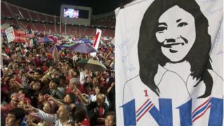 เพื่อไทยหาเสียงเลือกตั้งปี 2554 โดยชูยิ่งลักษณ์ ชินวัตร เป็นนายกฯ