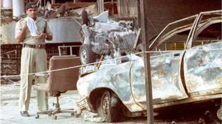 एअर इंडिया इमारतीजवळ झालेलं नुकसान