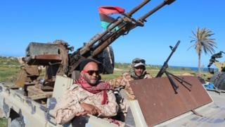 Мисраттык кошуундар Триполи тарабына өттү