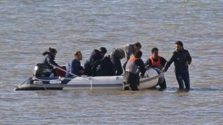Are migrants who cross the Channel sent back?