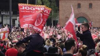 """Ливерпуль: """"Ливерпуль"""" празднует победу в финале Лиги Чемпионов"""