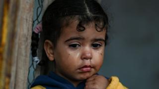 Niña refugiada