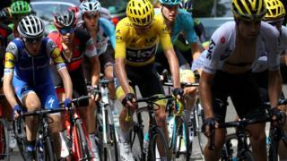 """Багато зірок зійшли з дистанції під час """"Тур де Франс"""""""