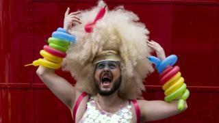Участник гей-парада 2019 в Лондоне