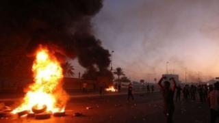 کمیسیون عالی حقوق بشر عراق می گوید که در این درگیری ها حداقل ۹۴ نفر کشته و سه هزار نفر زخمی شده اند