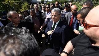 Le secrétaire général du Front de libération nationale (FLN), Amar Saadani, à son arrive 10ème congrès du parti le 28 mai 2015 à Alger.