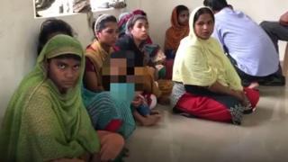 অবৈধ বাংলাদেশী সন্দেহে ধৃতদের কয়েকজন
