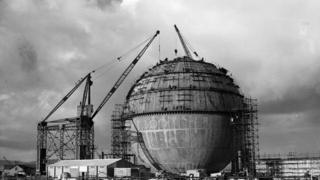Construction of dome at Dounreay