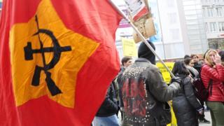 Левые в Германии часто используют советскую символику в несколько модернизированном виде