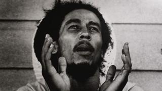 """Bob Marley yaririmvye ururirimbo """"Zimbabwe"""" igihe c'ukwikukira kw'ico gihugu mu 1980"""