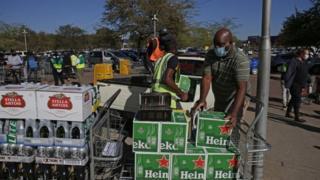 هذا هو الحظر الثاني على مبيعات الكحول منذ بدء تفشي الفيروس في جنوب إفريقيا