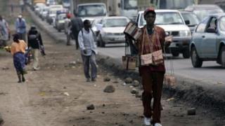 La corruption, l'inégalité et le favoritisme ont été identifiés comme les plus grands obstacles à l'autonomisation des jeunes au Kenya qui sont de plus en plus tentés par l'immigration.