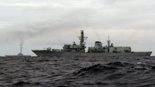 Tàu Nga nhìn từ tàu chiến HMS Richmond của Anh ngày 18/10