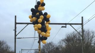 Balloons on line