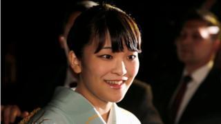 เจ้าหญิงมาโกะ พระชันษา 25 ปี พระราชนัดดาองค์โตในสมเด็จพระจักรพรรดิอากิฮิโตะแห่งญี่ปุ่น