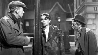 James Mason (centre) in Odd Man Out, 1947