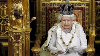Queen-giving-her-speech-in-Parliament.