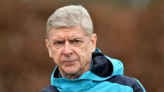 Sai a karshen kaka Arsene Wenger yake sabunta kwantiraginsa da Arsenal