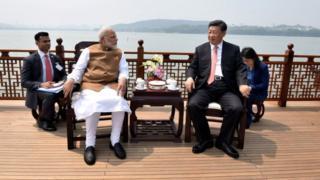 中國國家主席習近平同印度總理莫迪在武漢舉行非正式會晤