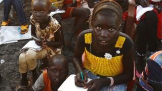 Katika mazingira ya mizozo kama vile Sudani Kusini, wasichana hushindwa kuhudhuria masomo tofauti na wavulana