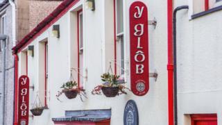 Glôb, Bangor