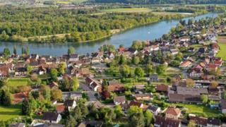 تعرف على المدينة التي تنتمي سياسيا لألمانيا واقتصاديا لسويسرا
