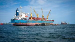 固体散装货物能忽然从固态变成液态,会对任何一艘装载货物的船舶造成毁灭性打击