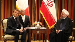 روسای جمهور ایران و فرانسه پیش از این در چند گفت و گوی تلفنی درباره راه حل هایی برای کاهش تنش ها و باقی نگه داشتن ایران در برجام به توافق های ابتدایی رسیده بودند