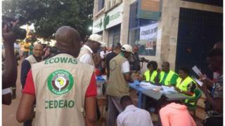 Un bureau de vote à Bissau