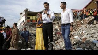 Madaxwayne Enrique Peña Nieto oo ka hadlaya magaalada Juchitán jimcihii
