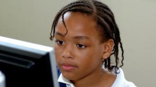 L'usage des écrans font de plus en plus partie de la vie quotidienne des enfants.