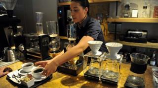 Una barista de Juan Valdez