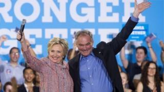 Кандидат в президенты США от Демократической партии Хиллари Клинтон и ее номинант на пост вице-президента Тимоти Кейн (22 июля 2016 г.)