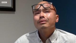 Anh Tiến 43 tuổi vẫn phấp phỏng nỗi lo bị trục xuất do phạm tội từ khi vị thành niên