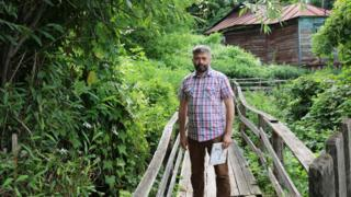 Саратовский краевед Игорь Сорокин в Глебучевом овраге