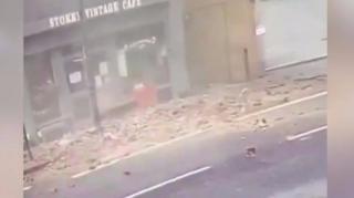 Srušena zgrada na ulici