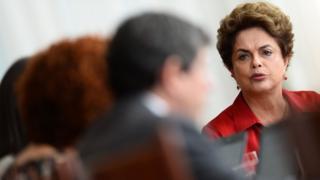 Dilma Rousseff fala com a imprensa estrangeira no Palácio da Alvorada em 18/8/2016