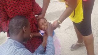Pikin dey collect immunisation for Port Harcourt