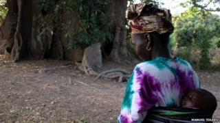 Mwanamke na mwanawe nchini Senegal
