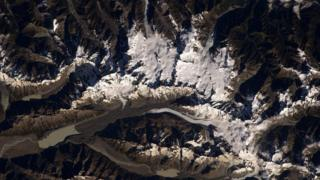 The two tallest mountains in New Zealand visible from space