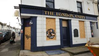 The London Unity, a Brighton pub closed (photo taken 2014)
