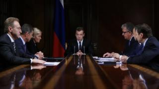 Премьер-министр России Дмитрий Медведев проводит совещание