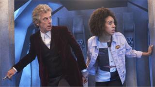 Doctor Who (PETER CAPALDI) and Bill (PEARL MACKIE)