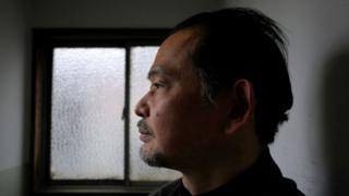 Ikeida, un japonés de 55 años, es hikikomori.