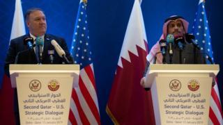 وزير الخارجية الأمريكي، مايك بومبيو، مع نظيره القطري، محمد بن عبد الرحمن آل ثاني، خلال زيارته الدوحة