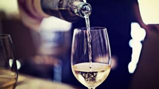 वाईन ग्लास
