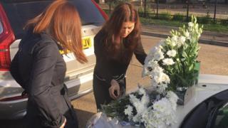 Người Việt ở Anh tưởng niệm những nạn nhân thiệt mạng.