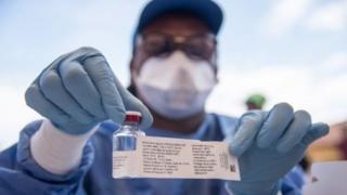 L'épidémie d'Ebola a fait plus de 1 000 morts en RDC, dont une trentaine de professionnels de la santé.