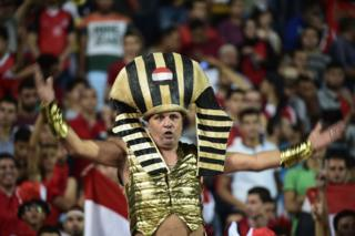 """Football fans for Egypt dey ginger dem national team as dem beat Uganda 1-0 for Tuesday World Cup 2018 qualifier. Midfielder Sam Morsy say di Pharoahs don move """"one step closer"""" to play for their first World Cup since 1990 with di win."""