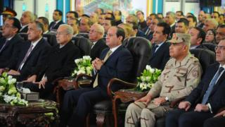 """الرئيس المصري، عبد الفتاح السيسي، خلال افتتاحه حقل """"ظهر"""" النفطي من مدينة بورسعيد"""